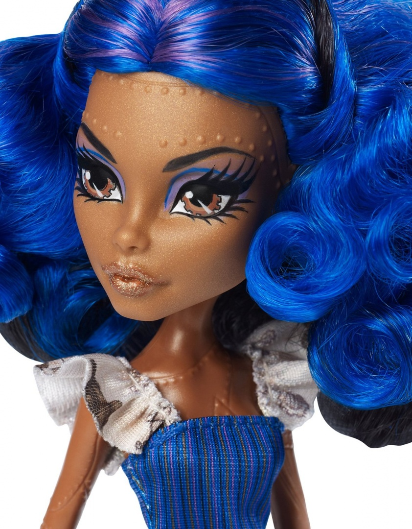 Monster high gore geous robecca steam doll and fashion set - Robecca monster high ...